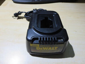 DEWALT - DW9116 - 7.2V-18V - 1 HOUR - NICD BATTERY POD CHARGER