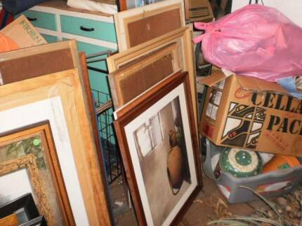 PICTURE FRAMES 40 OF THEM LARGE AND SMALL