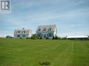 Country home, horse /hobby farm with 75 acers in SW NB