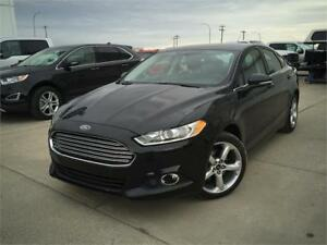 BLACK FORD FUSION SE FWD 2.5 L LOW KILOMETERS