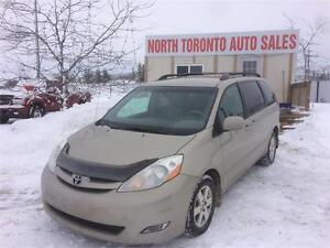 2010 TOYOTA SIENNA LE - LEATHER - NAVIGATION - HEATED SEATS