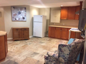 3 bed unit near St.claire College south utilities wifi included