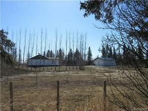 3 BR home on an acreage with a river view near St.Lazare!