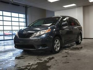 2014 Toyota Sienna LE, Heated Seats, Touch Screen, Back Up Camer