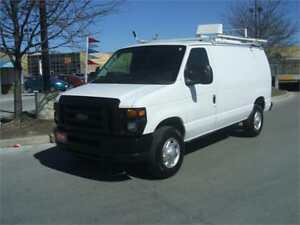 2011 Ford Econoline E-250 / DIVIDER / LADDER RACK
