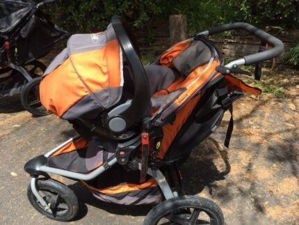 BOB Stroller jogger Revolution -PLUS infant capsule car carrier!