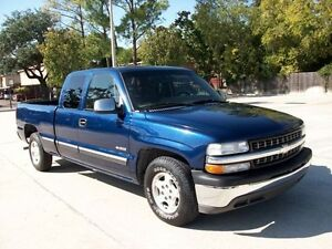 2002 Chevrolet Silverado 1500 LS Pickup Truck Like New Low Kms