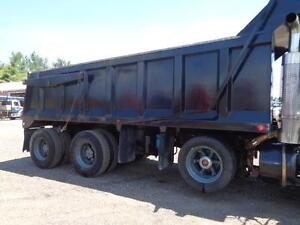 1998 MACK RB TRI-AXLE DUMP, 19'FT STEEL EXCAVATOR BOX Kitchener / Waterloo Kitchener Area image 12