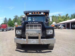 1998 MACK RB TRI-AXLE DUMP, 19'FT STEEL EXCAVATOR BOX Kitchener / Waterloo Kitchener Area image 10
