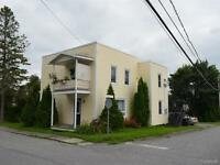 Duplex à Upton , 376-378 Monseigneur Desmarais
