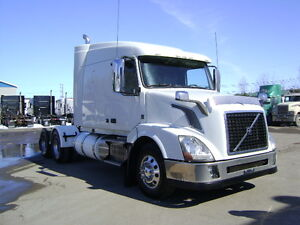 CAMION VOLVO 2013 MODÈLE 630 COUCHETTE TRUCK BED 46 000 LBS