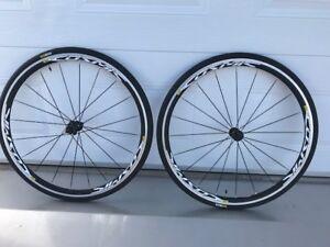 Paire de roues Mavic Cosmic Elite 700 c  + pneus 2018 (neuf)