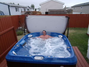 2014 6+ person, J480 Jacuzzi Hot Tub