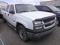 Parting out 03-07 Gmc/Chevy trucks MANY PARTS