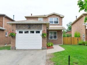 Fully Reno'd 3 Br Det Home** New Kitchen** Fin O/C Bsmnt**