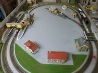 HORNBY LAYOUT 6X4 MODEL RAILWAY
