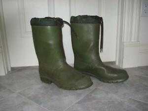 BIG HEAVY THICK-TREADED-SOLED 13-in.HIGH LINED RUBBER BOOTS...
