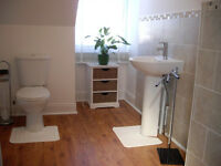 LUXURY DOUBLE BEDROOM WITH EN-SUITE SHOWER ROOM TO RENT - GREAT LOCATION