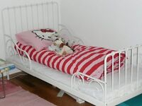 2 x extendable ikea beds in white with cot matresses. in good used condition only £20 each