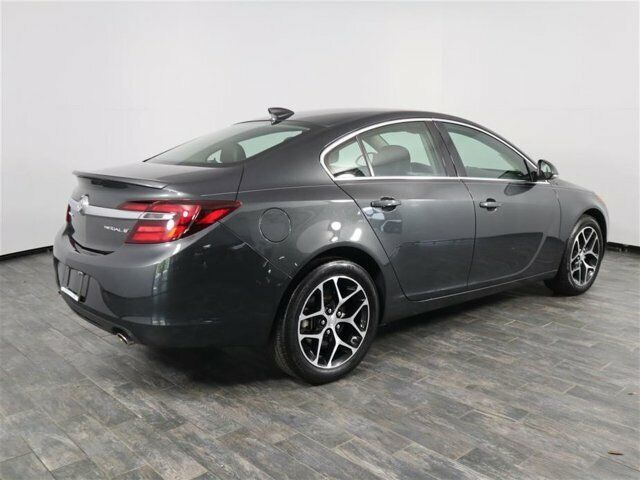 Image 5 Voiture American used Buick Regal 2017