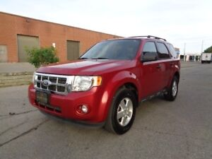 2011 Ford Escape CLEAN CARPROOF*** ONE OWNER *****