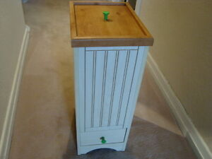 UNIQUE WASTE OR RECYCLE BIN WOOD LOOK   ''NEW''