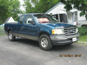 2001 Ford E-150 Green Pickup Truck