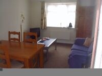 Three rooms in a shared house for Postgraduates 5 mins from University