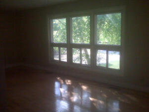 Top Floor, Newly Renovated in  the Glasgow/Belmont area