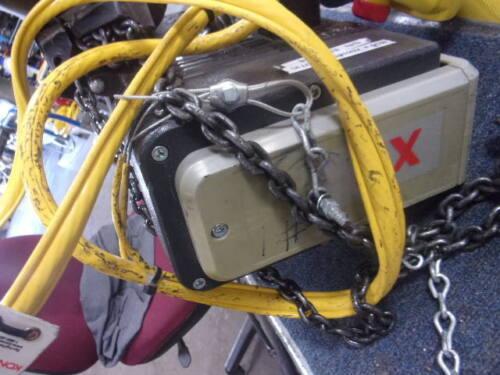KONE CRANE  1/2 Ton crane  XN5 3 PHASE 460V WITH PENDANT No Tag
