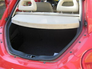 1998 Volkswagen Beetle Red Coupe (2 door)