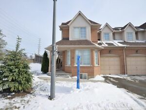 Beautiful East Credit Condo Town House In Mississauga