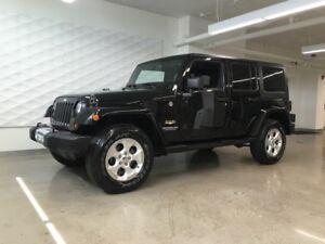 2013 Jeep Wrangler Unlimited Sahara, Navigation, Auto, 2 tops
