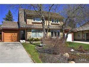 Beautiful 3 bedroom home in Canyon Meadows SW!