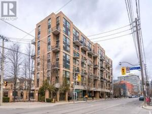Tastefully Renovated,1+1Beds,2Baths,800 KING ST W, Toronto