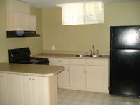 LOCATION LOCATION $1100 Utilities INCLUDED CLEAN Basement /HUGE