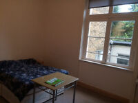 Large bedsit (double room) available in Stoke Newington, all bills included. Available now