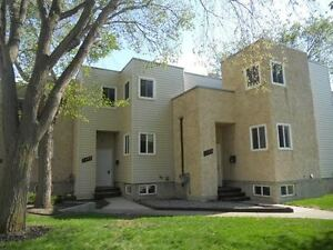 Spacious 3 Bedroom Townhome in beautiful complex