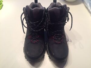 Men's size 9 Columbia winter boots