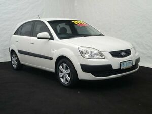 2007 Kia Rio JB EX White 5 Speed Manual Hatchback Derwent Park Glenorchy Area Preview