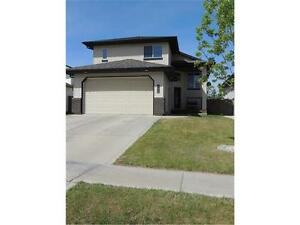 4 Bedroom home in O'Brien Lake with Double Attached Garage
