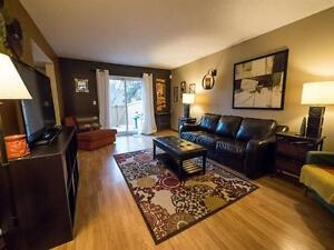 BEAUTIFUL 4 BEDROOM TOWNHOUSE IN MILLWOODS! CLOSE TO SHOPPING! Edmonton Edmonton Area image 2