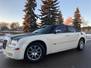 2009 Chrysler 300C HEMI - 154K = LEATHER SUNROOF - NO ACCIDENTS