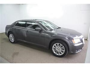 2014 CHRYSLER 300 LEATHER, SUNROOF, LOW KMS