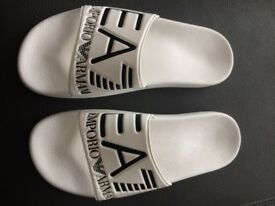 Mens White Boss Flip Flops size 8
