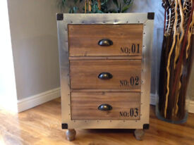 BEAUTIFULL HAND CRAFTED 3 DRAWER CHEST.