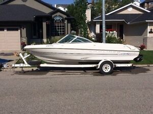 1998 Bayliner Capri with inboard outboard