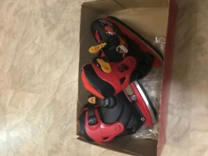 Boy ice skates adjustable sizes 12-2
