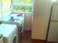 Small single room to rent Kennington(10 min),Oval(10min),Victoria(30min bus)£100/week all bils incl