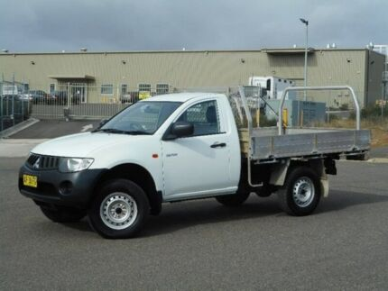 2006 Mitsubishi Triton ML MY07 GLX White 5 Speed Manual Cab Chassis Run-o-waters Goulburn City Preview